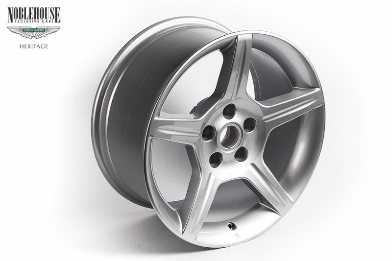DB7 Zagato & DB AR1Road Wheel Front 8 x 18 / New Old Stock