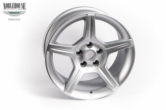 DB7 Zagato & DB AR1 Road Wheel Rear 9 x 18 / New Old Stock Silver