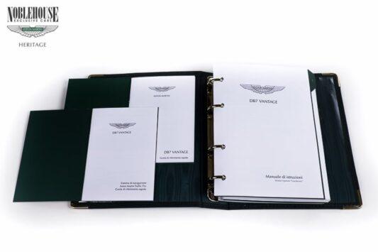 DB7 Handbook Vantage Italian / New Old Stock