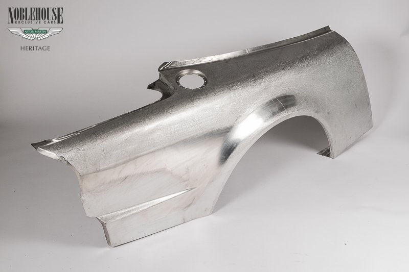 Vantage Le Mans Rear Wing Assembly RH / New Old Stock