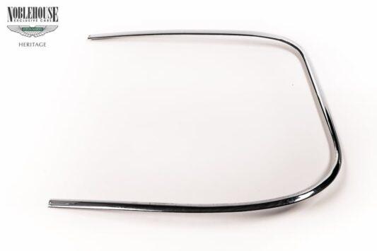 XJ Series 1 Rear Screen Chrome Strip RH / New Old Stock