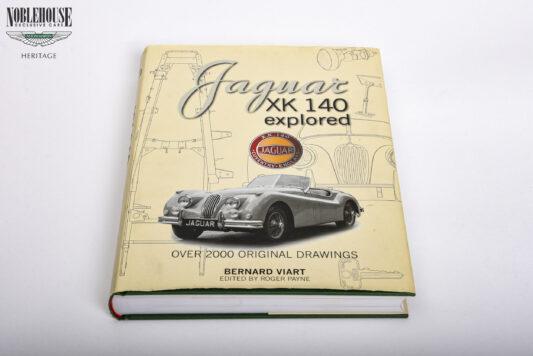 Jaguar Explored Manual mint